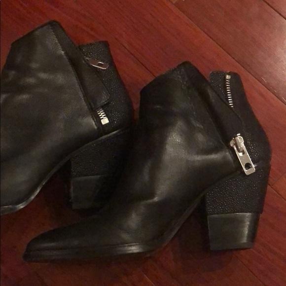 Dolce Vita Harim Black Bootie Size 95